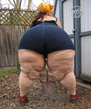 BBW Mega Pear Ass Twerking