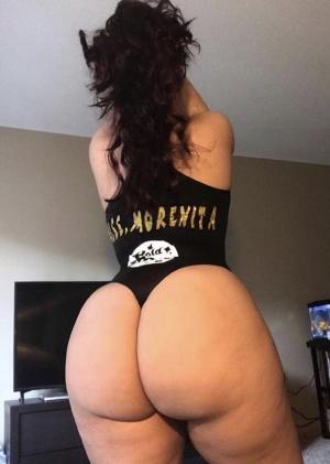Big Amazing Booty Shaking Snapchat Nudes