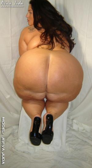 Big Fat Ass PAWG in High Heels