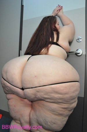 Biggest Ever Pear Shaped BBW Booty
