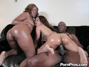 Ebony Ghetto Booty Threesome