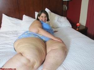 Fat Ass BBW with Thick Legs