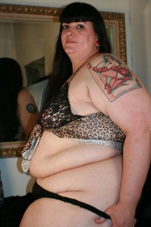 Huge Ass BBW undressing